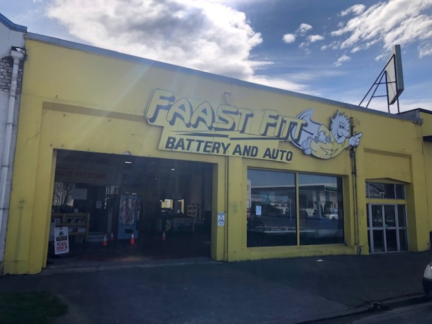 Faast Fitt Batteries Building