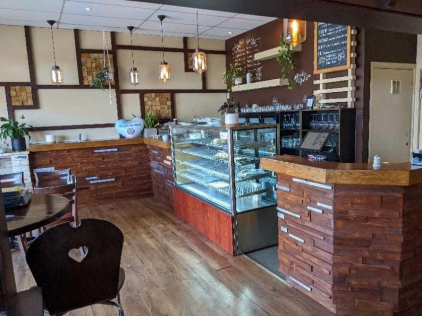 Suburban Cafe/Restaurant premise for Lease