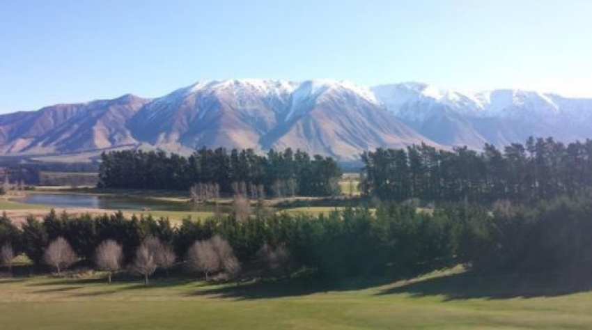 STUNNING TERRACE DOWNS HIGH COUNTRY