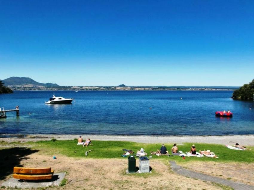 Holiday Lifestyle Section at Acacia Bay
