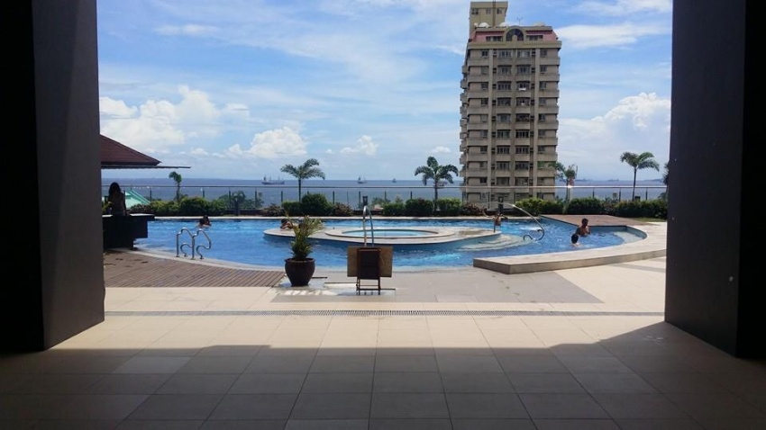 One bedroom condo with views of Manila Bay