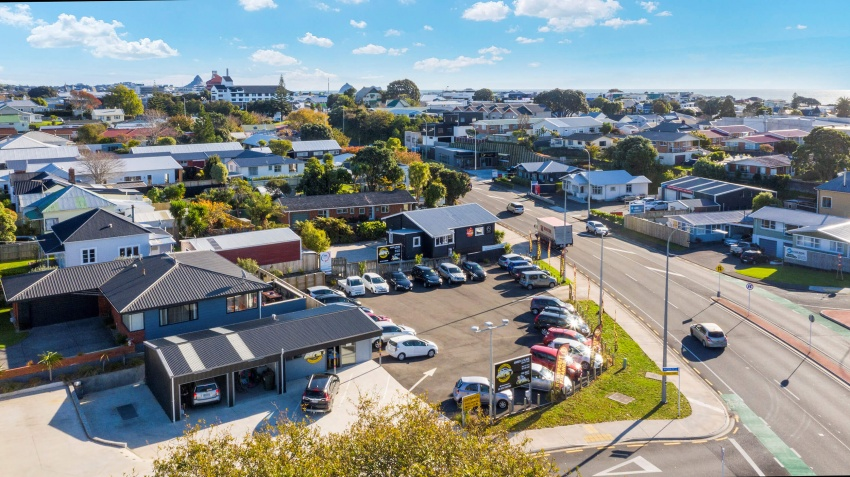 Huge Visibility with Development Upside in New Plymouth