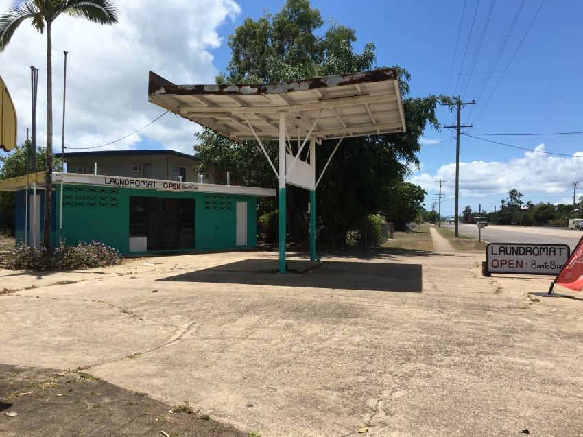Restaurant Takeway and Laundry in popular tropical location