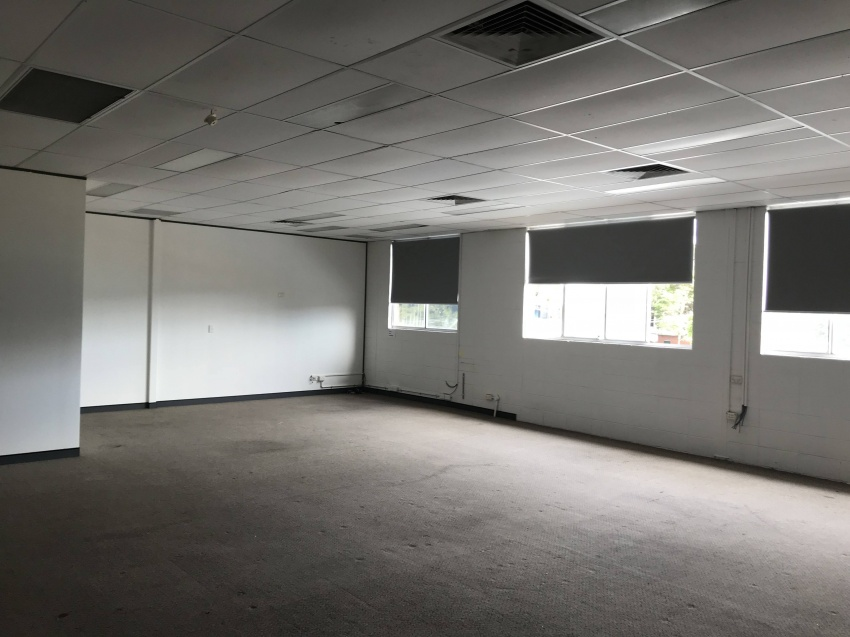 100m2 OFFICE - great natural light